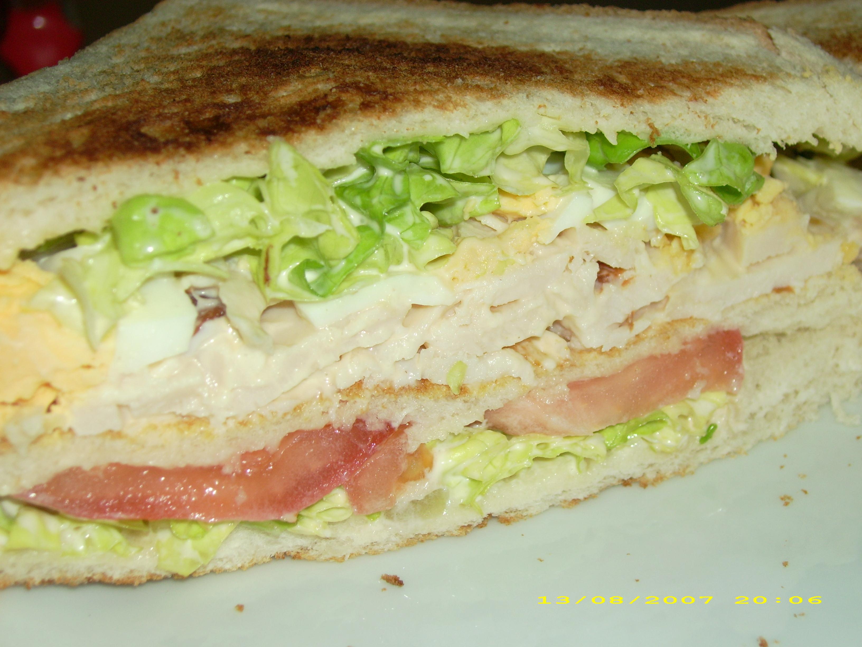 The club sandwich le bonheur dans la cuisine for Le bonheur dans la cuisine